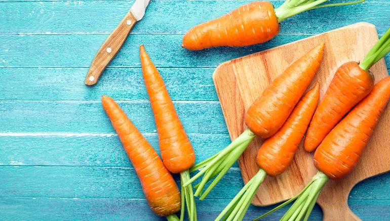 गाजरचा रस शरीरात व्हिटॅमिन ए, पिक्चर-शटरस्टॉक पुरवतो.