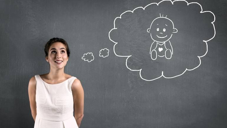 विविध कारणांमुळे महिला उशीरा बाळ योजना आखण्यास प्राधान्य देतात.  प्रतिमा: शटरस्टॉक