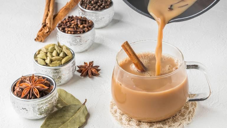 अगर आपको चाय-कॉफी की आदत है तो खाना खाने के बाद एक घंटे का इंतजार करें। चित्र : शटरस्टॉक