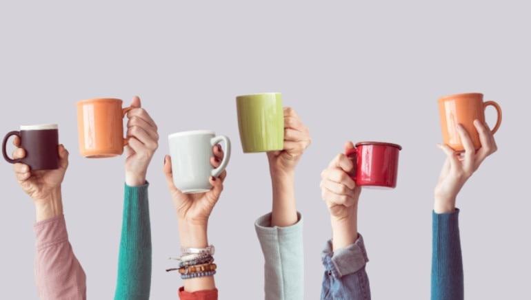 जास्तीची कॉफी आपल्या तहान जाणवण्यामुळे असू शकते.  चित्र: शटरस्टॉक