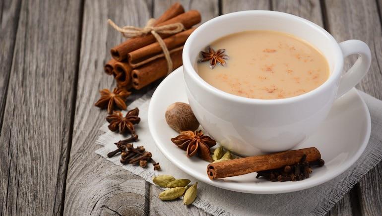 सॉरी लेडीज, यहां है 6 कारण कि आपको क्यों नहीं पीनी चाहिए ज्यादा चाय