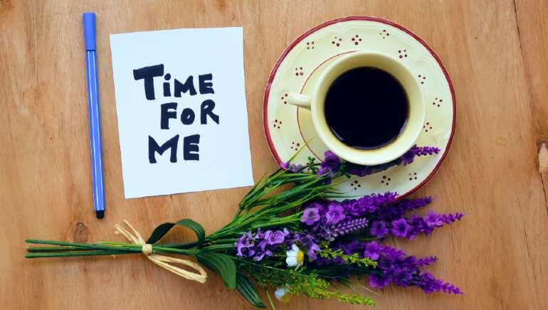 ये संकेत बताते हैं कि आपको है 'मी टाइम' की जरूरत है, जानिए खुद के साथ समय बिताने का महत्व