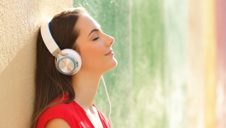 संगीत केवळ आपली निवड नाही तर व्यक्तिमत्त्वाचा आरसा देखील आहे.  प्रतिमा: शटरस्टॉक