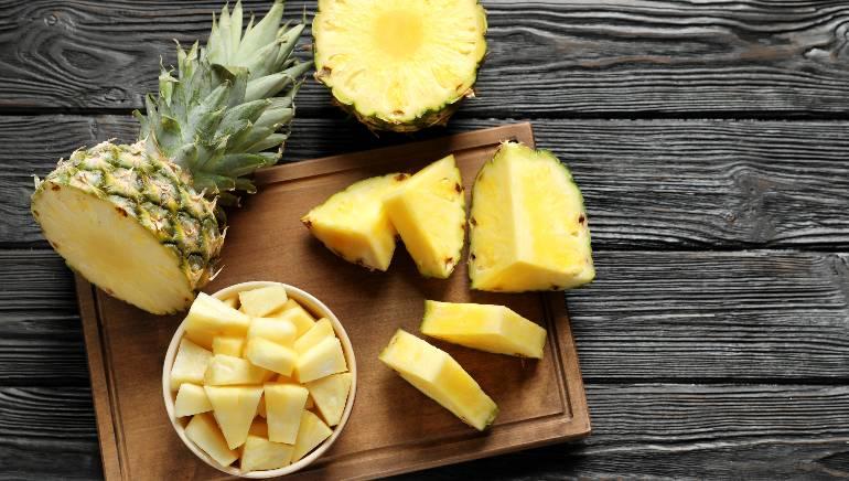 अननस आपले वजन कमी करण्यात मदत करते.  प्रतिमा: शटरस्टॉक
