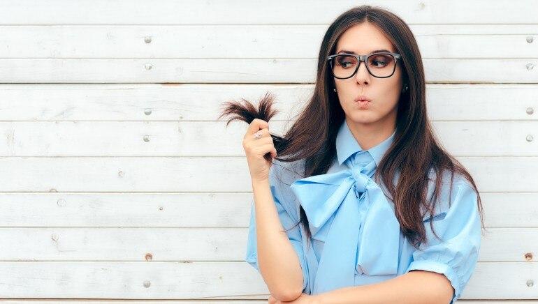 क्या नारियल तेल की मालिश है दो मुंहे बालों का इलाज? आइये पता करते हैं