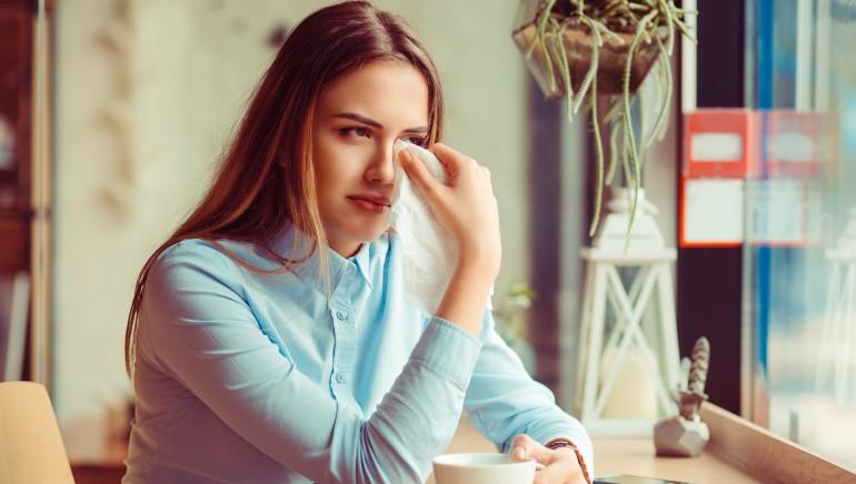 मनोचिकित्सक मानते हैं कभी-कभी रोना भी है आपके लिए फायदेमंद, जानिए कैसे