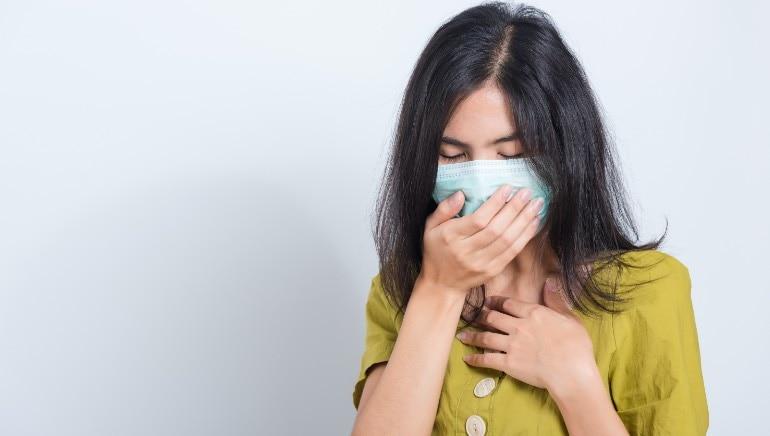 एखादी व्यक्ती लक्षणे उद्भवण्याआधीच इतरांना संक्रमित करू शकते.  प्रतिमा: शटरस्टॉक