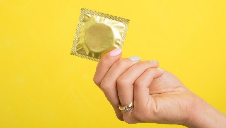 कंडोम लैंगिक आजारांपासून संरक्षण करू शकतात.  प्रतिमा: शटरस्टॉक