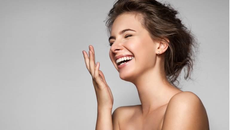 खुलकर मुस्कुराइए, क्योंकि आपकी मुस्कान कर सकती है कई बीमारियों की छुट्टी