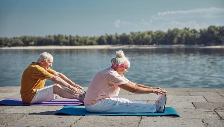 ये 7 आसान योगासन आपके एजिंग पेरेंट्स की डायबिटीज कंट्रोल करने में हो सकते हैं मददगार