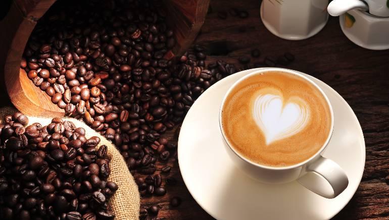 उपवास के दौरान चाय या कॉफी ज़रूर पिएं। चित्र: शटरस्टॉक