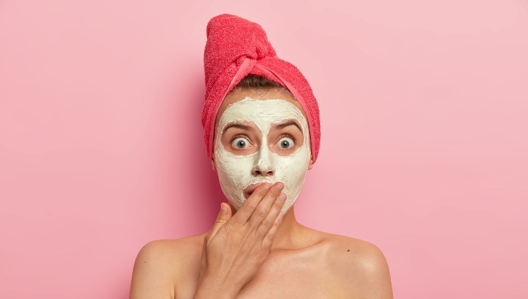 From fixing acne to glowing skin, these 6 benefits of multani mitti are too good to be true