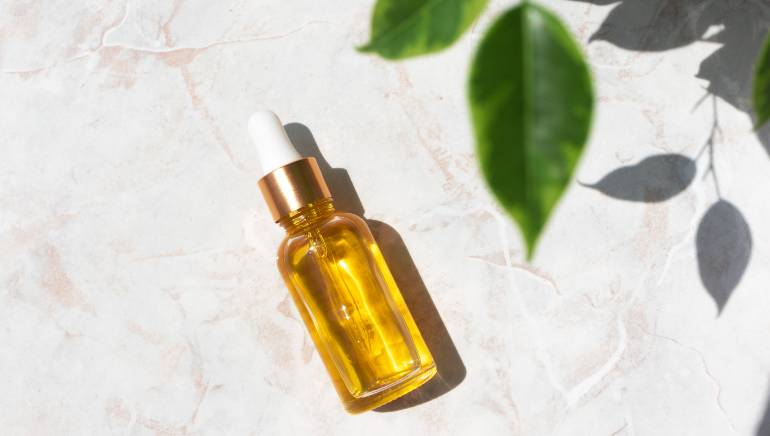I used vitamin E oil on my face for a week and the results were unbelievable