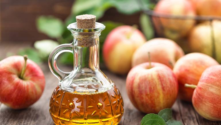 These 4 health benefits of weight-loss friendly apple cider vinegar will make you swoon