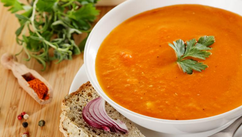 Hey soupaholics, give your immunity a boost with this red lentil soup